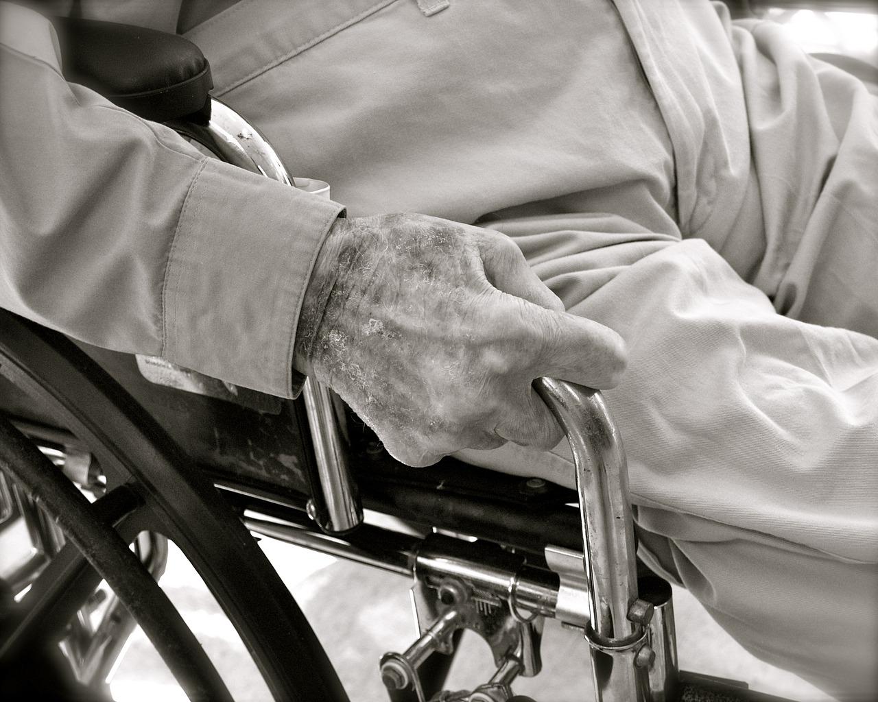 התעללות בזקנים