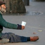 """<a href=""""http://gerontology.sugia.net/%D7%A2%D7%9E%D7%95%D7%93-%D7%93%D7%99%D7%95%D7%9F/?id=3099"""" target=""""blank"""">מיגור העוני</a>"""